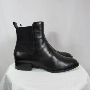 VINCE Yarmon Black Leather Chelsea Boots 8M